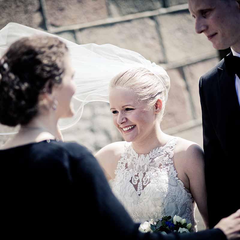 Bryllupsfotograf der vil noget med sine bryllupsfotos